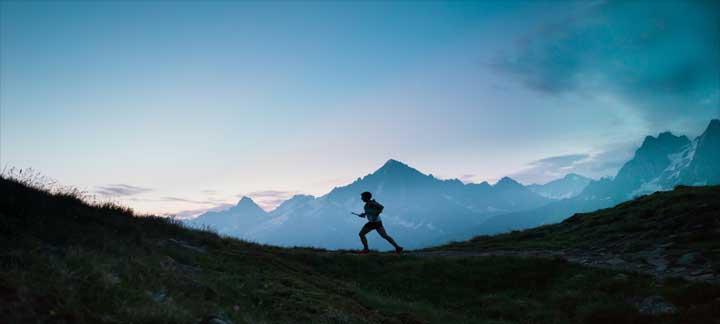 courir dans les montagnes